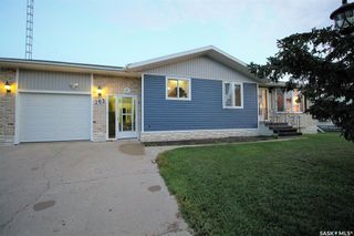 Photo 38: 205 River Heights Drive in Langenburg: Residential for sale : MLS®# SK819789