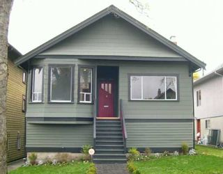"""Photo 1: 1935 GRANT Street in Vancouver: Grandview VE House for sale in """"COMMERCIAL DRIVE"""" (Vancouver East)  : MLS®# V619346"""