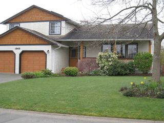 Photo 1: 1343 OCEAN VIEW AVE in COMOX: House/Single Family for sale : MLS®# 294707