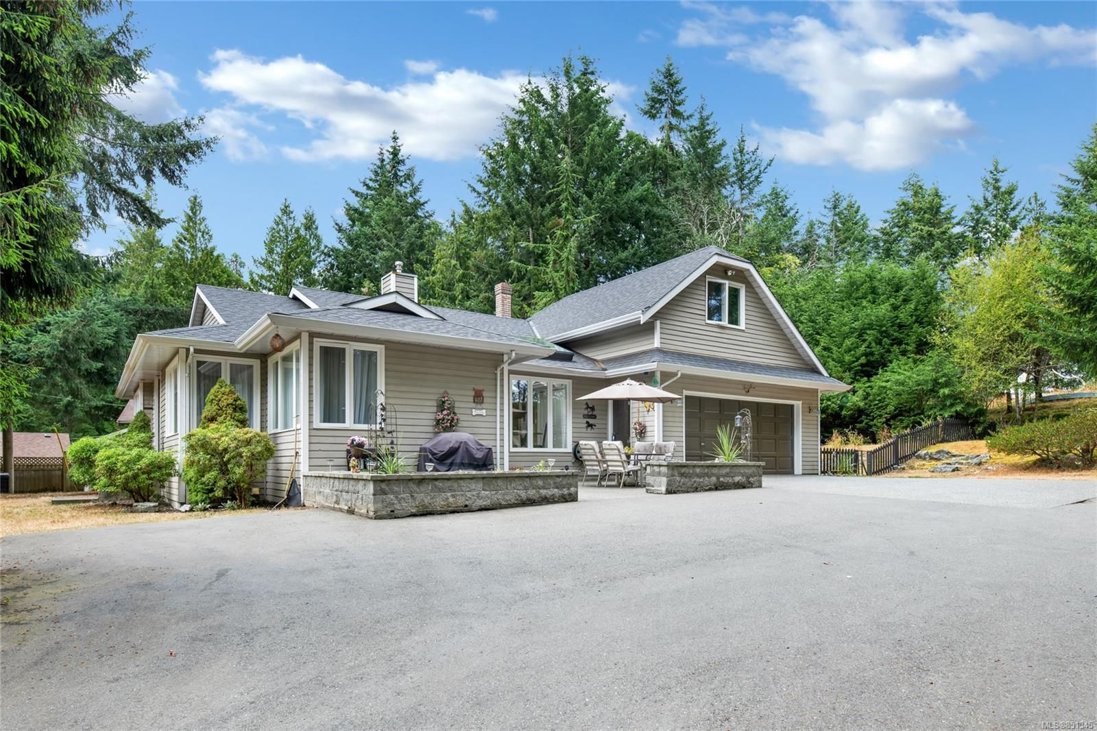 Main Photo: 7108 Aulds Rd in : Na Upper Lantzville House for sale (Nanaimo)  : MLS®# 851345