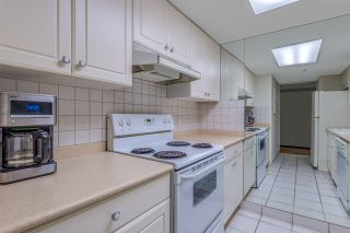 """Photo 12: 1404 238 ALVIN NAROD Mews in Vancouver: Yaletown Condo for sale in """"PACIFIC PLAZA"""" (Vancouver West)  : MLS®# R2318751"""