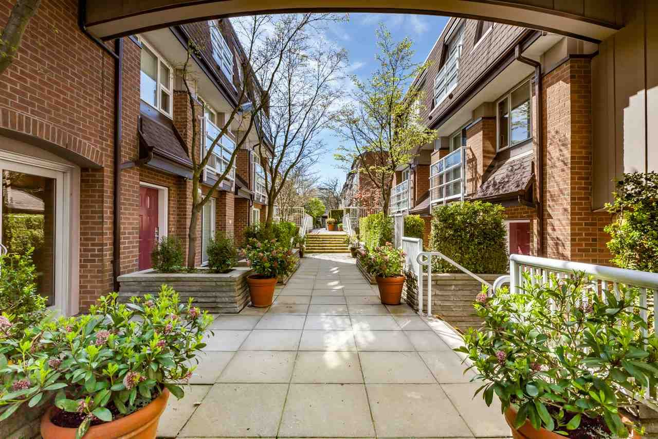 Main Photo: 201 2071 W 42ND Avenue in Vancouver: Kerrisdale Townhouse for sale (Vancouver West)  : MLS(r) # R2170413