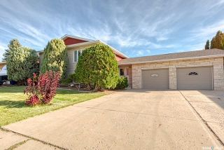 Photo 2: 57 Dahlia Crescent in Moose Jaw: VLA/Sunningdale Residential for sale : MLS®# SK871503
