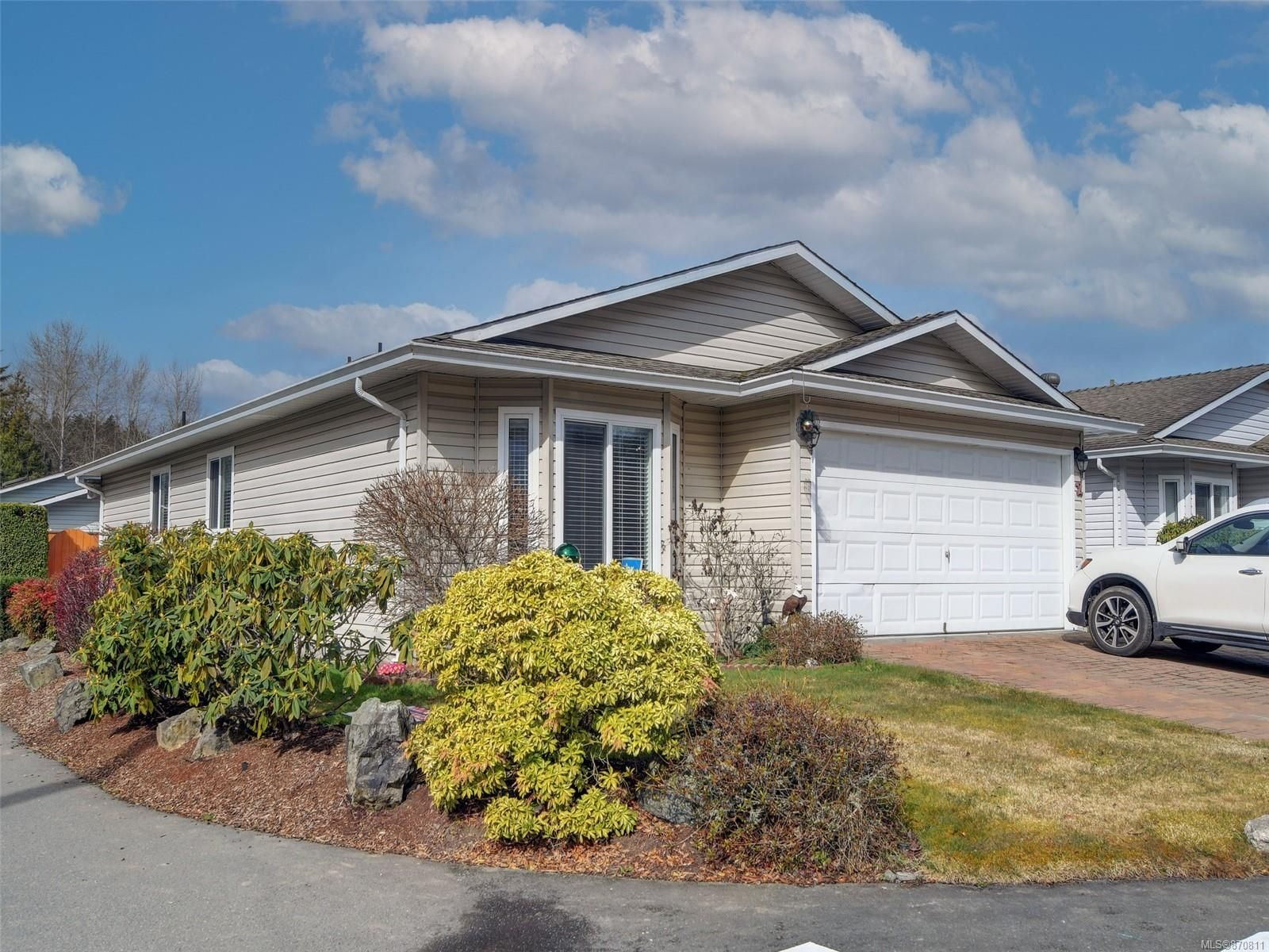 Main Photo: 2 7570 Tetayut Rd in : CS Hawthorne Manufactured Home for sale (Central Saanich)  : MLS®# 870811