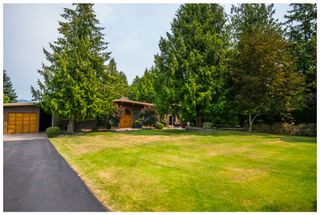 Photo 3: 689 Viel Road in Sorrento: Lakefront House for sale : MLS®# 10102875