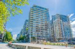 """Main Photo: 1702 1708 COLUMBIA Street in Vancouver: Mount Pleasant VW Condo for sale in """"Wall Centre False Creek"""" (Vancouver West)  : MLS®# R2580995"""