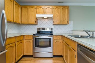 Photo 5: 105 13965 16 Avenue in Surrey: Sunnyside Park Surrey Condo for sale (South Surrey White Rock)  : MLS®# R2312080