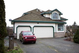 Photo 1: 14072 83 Avenue in Surrey: Bear Creek Green Timbers House for sale : MLS®# R2025388