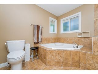 Photo 11: 6878 198B Street in Langley: Willoughby Heights House for sale : MLS®# R2189371