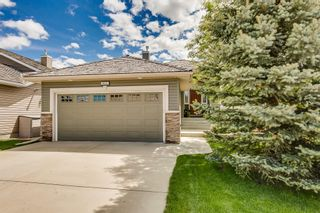 Photo 2: 825 FAIRWAYS Green NW: Airdrie Detached for sale : MLS®# C4301600