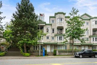 """Photo 3: 106 15258 105 Avenue in Surrey: Guildford Townhouse for sale in """"GEORGIAN GARDENS"""" (North Surrey)  : MLS®# R2586150"""