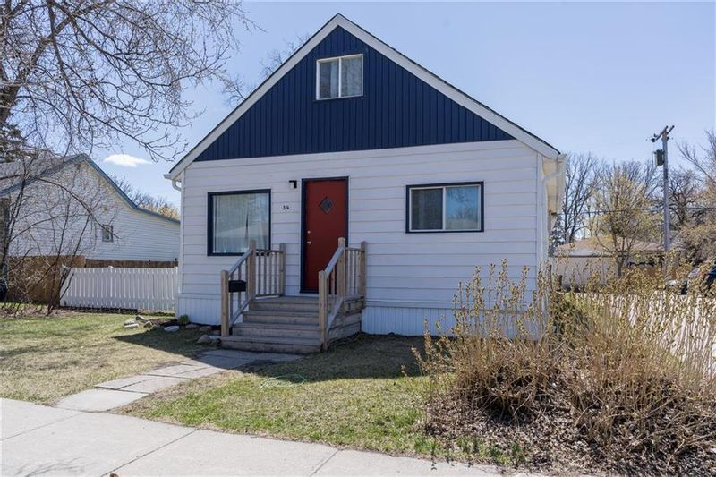 FEATURED LISTING: 316 Roberta Avenue Winnipeg