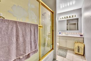 """Photo 26: 110 10748 GUILDFORD Drive in Surrey: Guildford Townhouse for sale in """"Guildford Close"""" (North Surrey)  : MLS®# R2526567"""