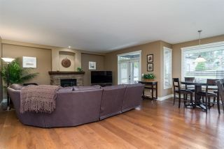 """Photo 7: 17728 68TH Avenue in Surrey: Cloverdale BC House for sale in """"Cloverdale"""" (Cloverdale)  : MLS®# R2252665"""