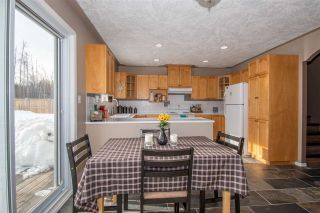 Photo 5: 1455 CHESTNUT Street: Telkwa House for sale (Smithers And Area (Zone 54))  : MLS®# R2439526