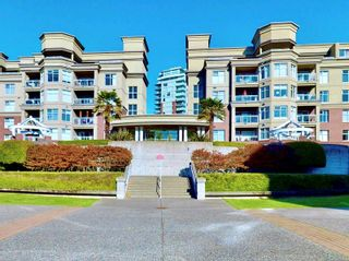 Photo 1: 213 165 Kimta Rd in : VW Songhees Condo for sale (Victoria West)  : MLS®# 859651