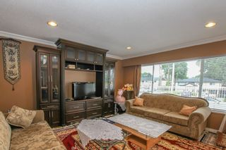 Photo 6: 12341 95A Avenue in Surrey: Queen Mary Park Surrey House for sale : MLS®# R2457932