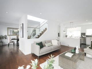 Photo 4: 3462 PANDORA Street in Vancouver: Hastings Sunrise House for sale (Vancouver East)  : MLS®# R2365849