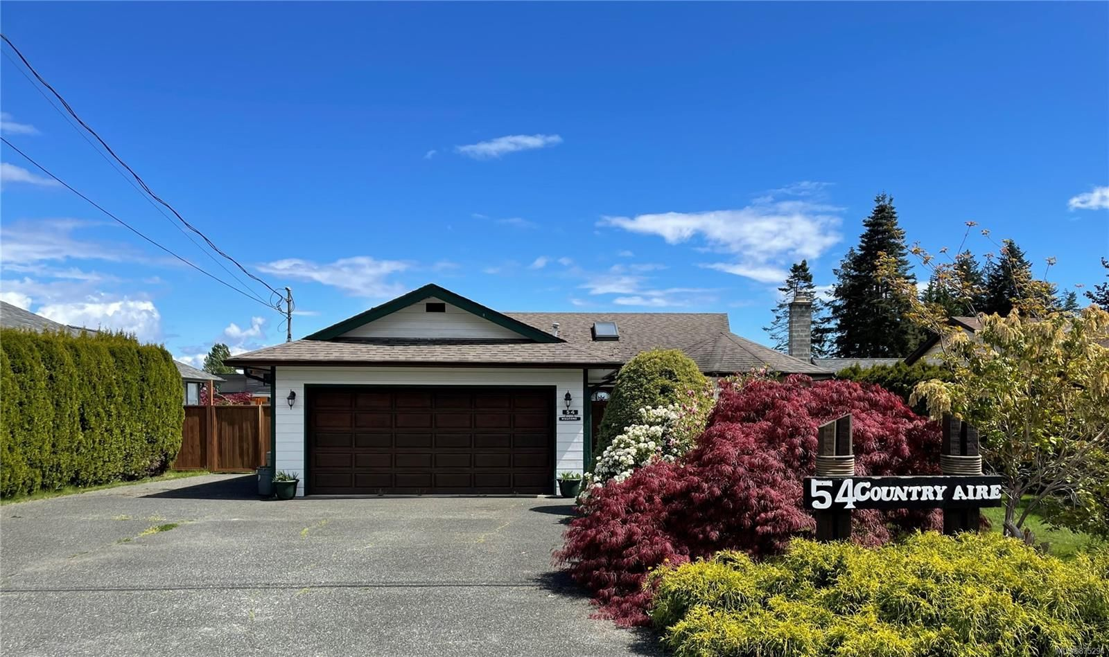 Main Photo: 54 Country Aire Dr in : CR Willow Point House for sale (Campbell River)  : MLS®# 875294