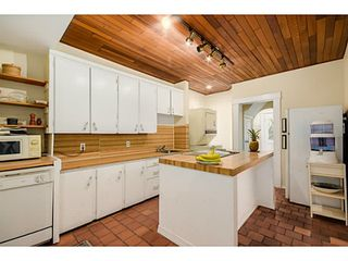 """Photo 6: 284 E 18TH Avenue in Vancouver: Main House for sale in """"Main Street"""" (Vancouver East)  : MLS®# V1068280"""