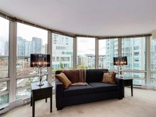 """Photo 8: 808 1500 HORNBY Street in Vancouver: Yaletown Condo for sale in """"888 BEACH"""" (Vancouver West)  : MLS®# R2065574"""