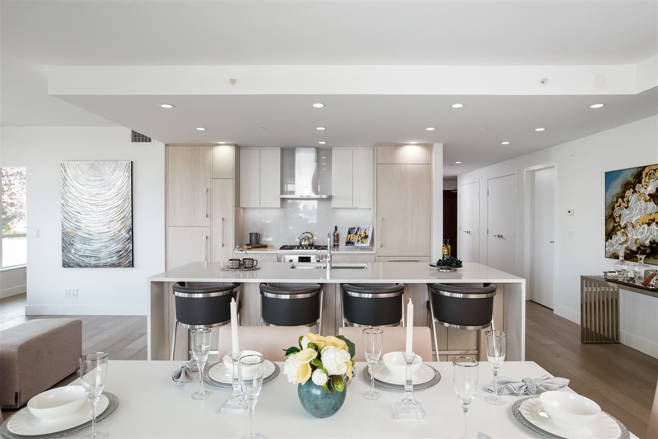 """Main Photo: 210 177 W 3RD Street in North Vancouver: Lower Lonsdale Condo for sale in """"West Third"""" : MLS®# R2487439"""