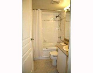 """Photo 2: 330 528 ROCHESTER Avenue in Coquitlam: Coquitlam West Condo for sale in """"THE AVE"""" : MLS®# V732786"""