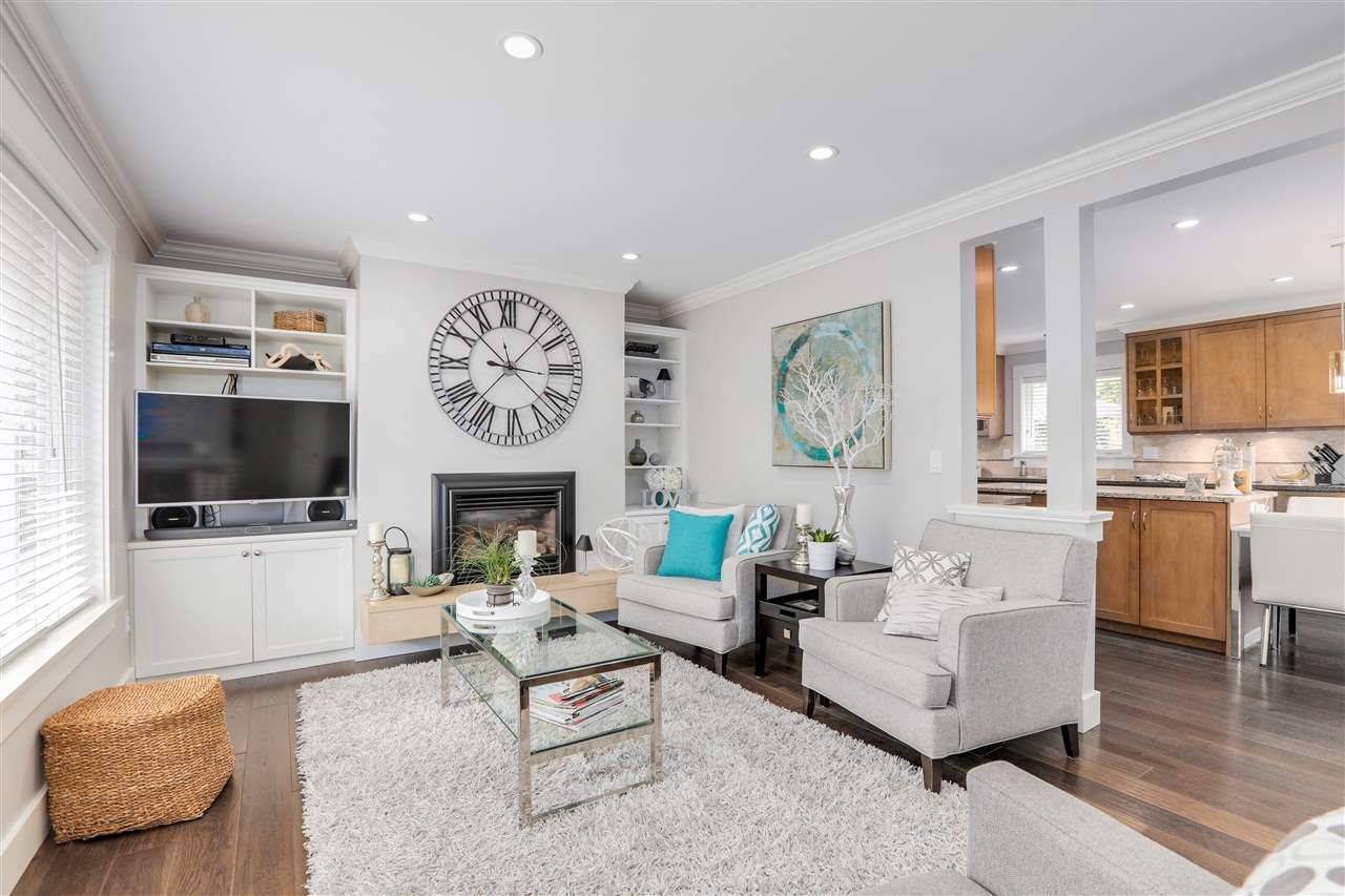 """Main Photo: 2691 154 Street in Surrey: King George Corridor House for sale in """"Sunny Side Pool"""" (South Surrey White Rock)  : MLS®# R2401639"""