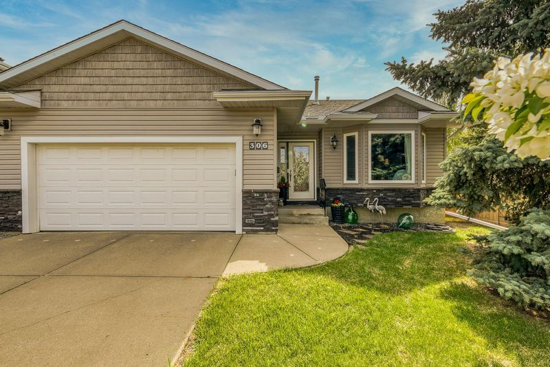 FEATURED LISTING: 306 ORMSBY Road East Edmonton