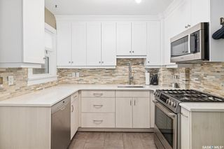 Photo 11: 913 Seventh Avenue North in Saskatoon: City Park Residential for sale : MLS®# SK867991