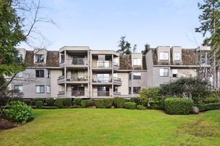 """Photo 18: 208 1740 SOUTHMERE Crescent in Surrey: Sunnyside Park Surrey Condo for sale in """"CAPSTAN WAY"""" (South Surrey White Rock)  : MLS®# R2234787"""
