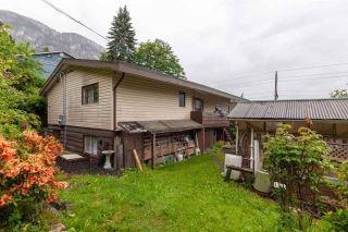 """Photo 16: 38083 HARBOUR VIEW Place in Squamish: Hospital Hill House for sale in """"HOSPITAL HILL"""" : MLS®# R2587611"""
