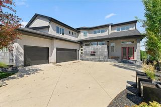 Photo 40: 49 Waterton Drive in Winnipeg: Royalwood Residential for sale (2J)  : MLS®# 202005387
