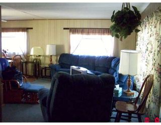 """Photo 2: 93 1884 MCCALLUM Road in ABBOTSFORD: Central Abbotsford Manufactured Home for sale in """"GARDEN VILLAGE"""" (Abbotsford)  : MLS®# F2908962"""