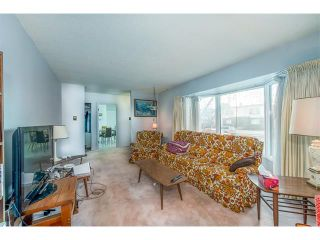 Photo 10: 2322 25 Avenue NW in Calgary: Banff Trail House for sale : MLS®# C4090538