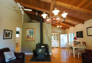 Photo 8: 516 BAYVIEW Drive: Mayne Island House for sale (Islands-Van. & Gulf)  : MLS®# R2580553