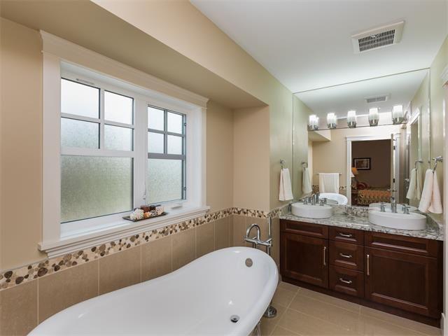 Photo 19: Photos: 1811 42 Avenue SW in Calgary: Altadore_River Park House for sale : MLS®# C4026681