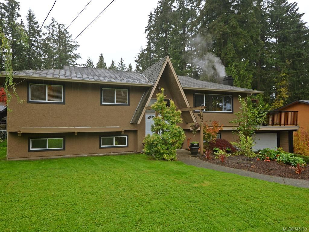 Main Photo: 1087 Marchant Rd in Central Saanich: CS Brentwood Bay House for sale : MLS®# 745163