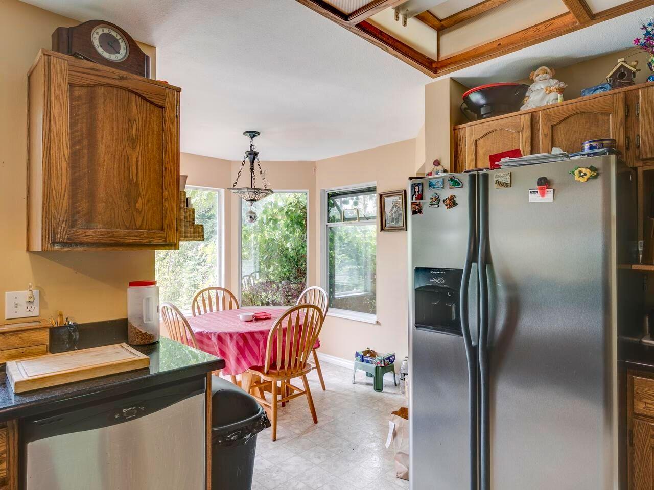 "Photo 9: Photos: 21374 RIVER Road in Maple Ridge: Southwest Maple Ridge House for sale in ""River Road"" : MLS®# R2600142"