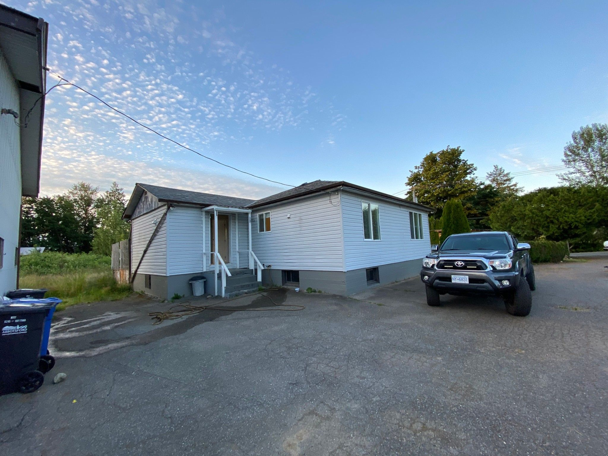 Main Photo: 4267 Seldon Rd. in Abbotsford: Central Abbotsford House for rent