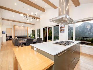 """Photo 7: 38580 HIGH CREEK Drive in Squamish: Plateau House for sale in """"Crumpit Woods"""" : MLS®# R2547060"""