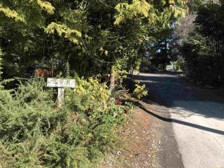 Photo 2: 5566 NICKERSON Road in Sechelt: Sechelt District House for sale (Sunshine Coast)  : MLS®# R2444097