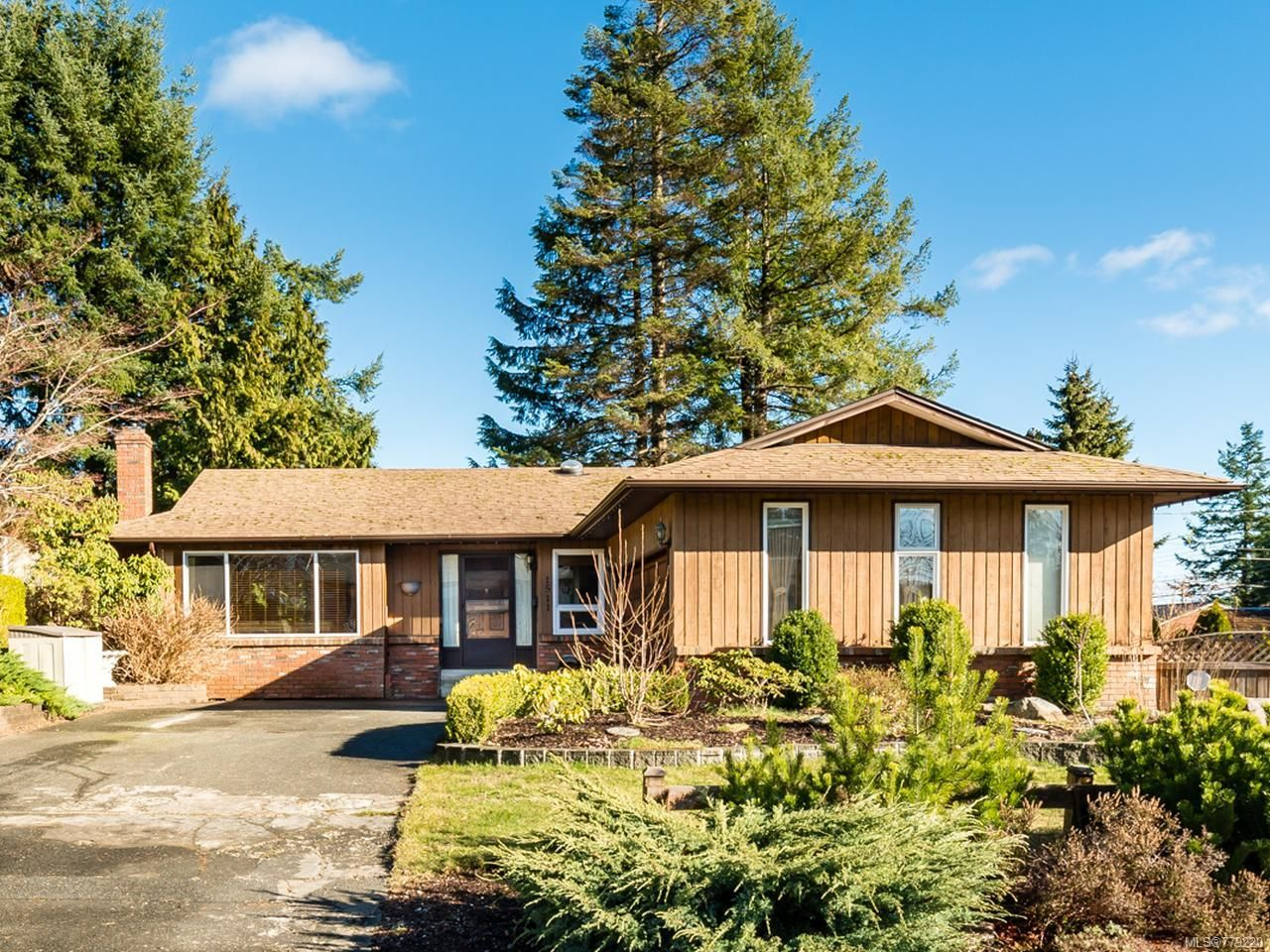 Main Photo: 1511 LEED ROAD in CAMPBELL RIVER: CR Willow Point House for sale (Campbell River)  : MLS®# 779220