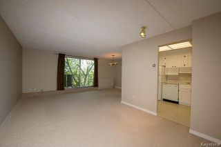 Photo 3: 1600 Taylor Avenue in Winnipeg: River Heights South Condominium for sale (1D)  : MLS®# 1713001