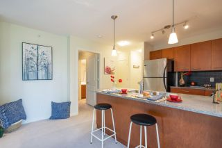 """Photo 16: 306 4333 CENTRAL Boulevard in Burnaby: Metrotown Condo for sale in """"PRESIDIA"""" (Burnaby South)  : MLS®# R2480001"""