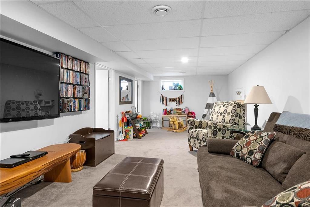 Photo 20: Photos: 145 Woodlawn Avenue in Winnipeg: Residential for sale (2C)  : MLS®# 202110539