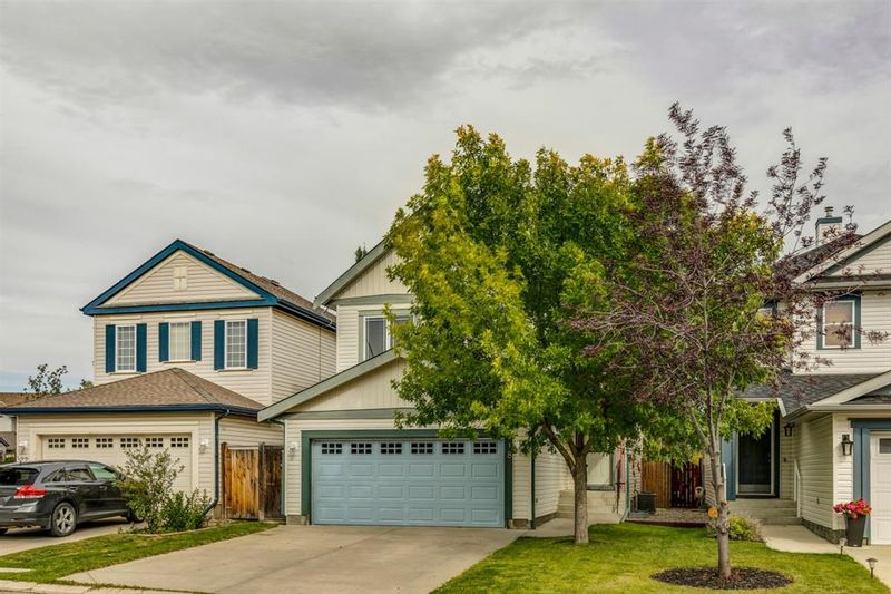 FEATURED LISTING: 18 Copperfield Crescent Southeast Calgary