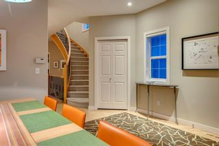 Photo 6: 810 21 Avenue NW in Calgary: Mount Pleasant Detached for sale : MLS®# A1016102