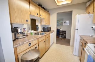 """Photo 2: 208 33850 FERN Street in Abbotsford: Central Abbotsford Condo for sale in """"Fernwood Manor"""" : MLS®# R2476196"""