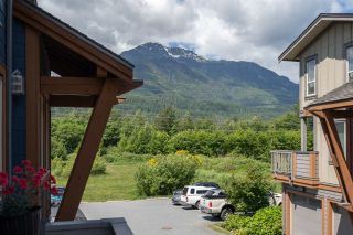 """Photo 25: 13 40653 TANTALUS Road in Squamish: Tantalus Townhouse for sale in """"TANTALUS CROSSING"""" : MLS®# R2462996"""
